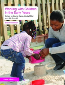 Working with Children in the Early Years, Paperback / softback Book
