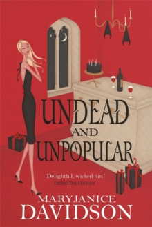 Undead And Unpopular : Number 5 in series, Paperback Book
