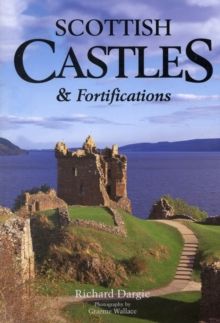 Scottish Castles and Fortifications, Paperback Book