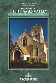 Walking in the Thames Valley, Paperback Book
